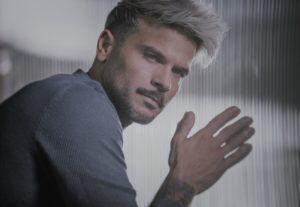 El artista puertorriqueño Pedro Capó lanzó en 2018 el tema 'Calma', que posteriormente tuvo un remix en el que colaboró Farruko. Pedro Capó (cortesía)