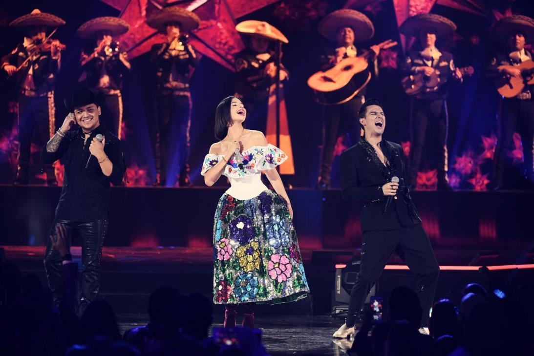 Christian Nodal, Angela Aguilar y Pipe Bueno - Premios Juventud 2019 Ganadores - Stars World Production