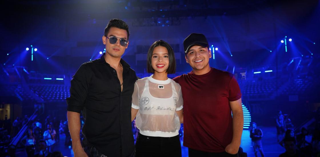 Angela Pilar, Pipe Bueno, Christian Nodal - Premios Juventud 2019 - Stars World Production